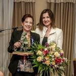 A premiada Ana Gandón e a concelleira Uxía Blanco