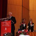 D. Avelino San Luis, xefe de protocolo facendo a lectura da glosa de concesión da Medalla da Cidade