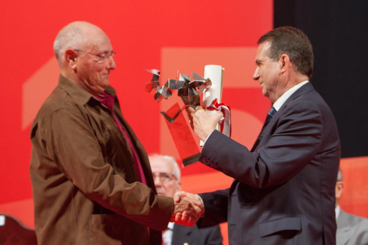 Reconquista 2015, entrega dos galardóns ós Vigueses Distinguidos e Medalla da Cidade - slide 6