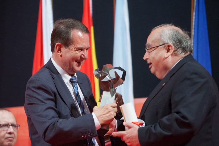 Reconquista 2015, entrega dos galardóns ós Vigueses Distinguidos e Medalla da Cidade - slide 5