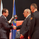 Vanessa Lage Carreira – 2015 recolle o galardón o seu pai D. Juan Emilio Lage Uriz