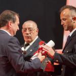 Vicente Allo Barona – 2015 recolle o galardón o seu irmán D. Adrian Allo Barona