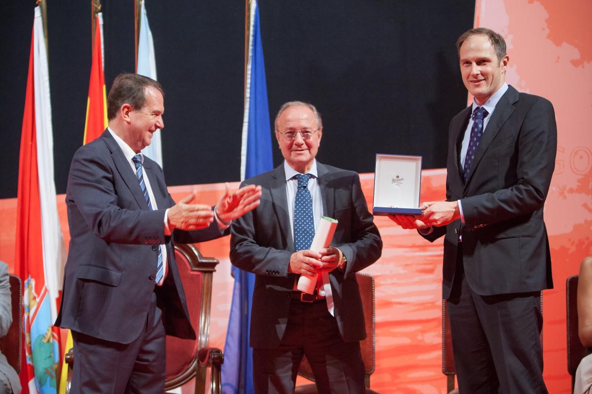 Reconquista 2015, entrega dos galardóns ós Vigueses Distinguidos e Medalla da Cidade - slide 3