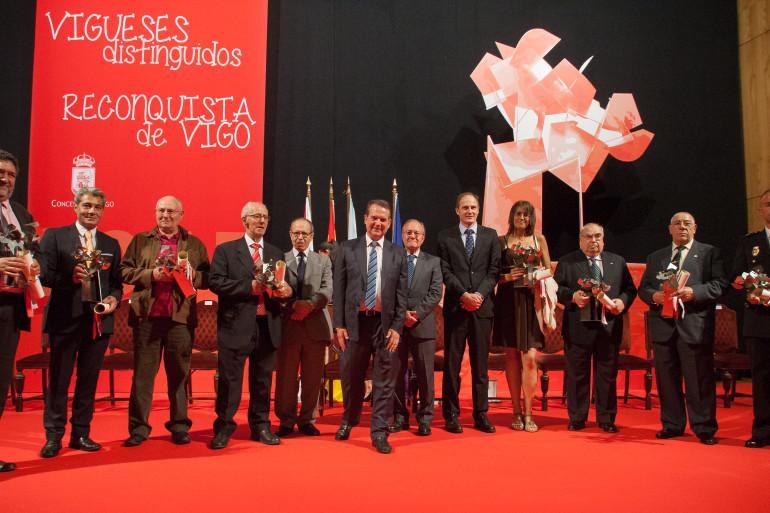 Reconquista 2015, entrega dos galardóns ós Vigueses Distinguidos e Medalla da Cidade - slide 1