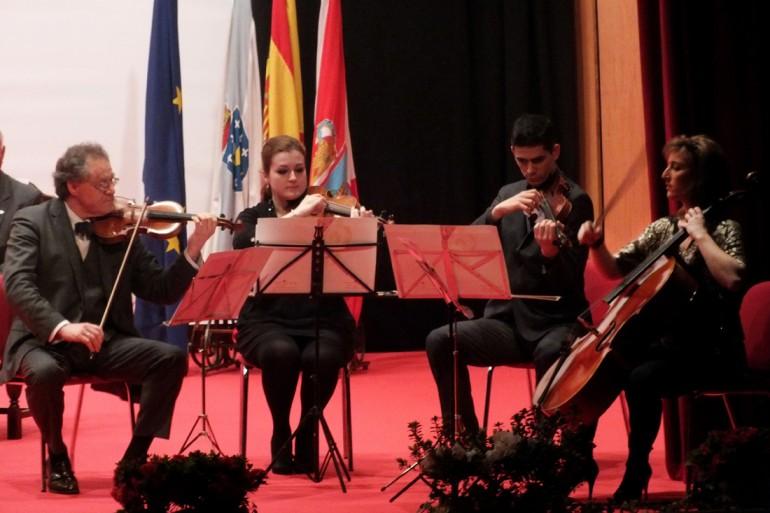 Reconquista 2013, nomeamento Vigueses Distinguidos e Medalla da Cidade - slide 2