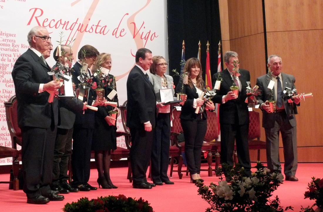 Reconquista 2013, nomeamento Vigueses Distinguidos e Medalla da Cidade - slide 3