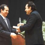 """AA. """"Amigos de la Ópera de Vigo"""" D. Roberto Relova Vigués Distinguido, ano 2008"""