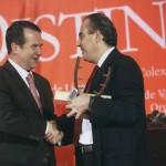 Organización Nacional de Cegos de Vigo (ONCE) Pte.D.Arturo Parrado Puente Vigués Distinguido ano 2009