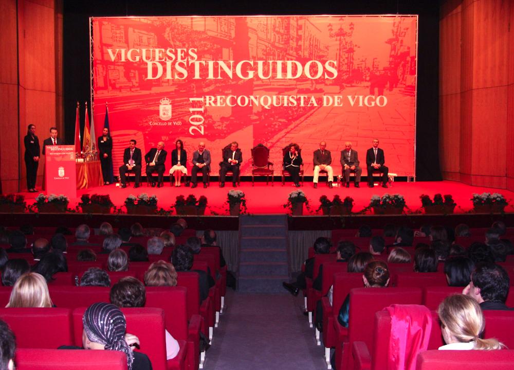 Reconquista 2011, nomeamento Vigueses Distinguidos e Medalla da Cidade - slide 1